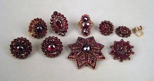 Garnet cluster jewelry