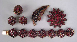 Vermeil garnet cluster bracelet with 7 clusters