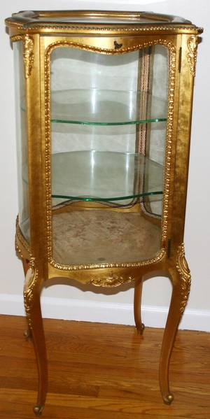 030402 LOUIS XV STYLE GILT WOOD CURIO CABINET H 46
