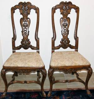 051034 ENGLISH STYLE WALNUT SIDE CHAIRS C 1920