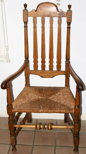 051027 OAK BANNISTERBACK ARMCHAIR WITH RUSH SEAT