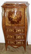 101142 EUROPEAN LOUIS XV STYLE MARQUETRY DESK
