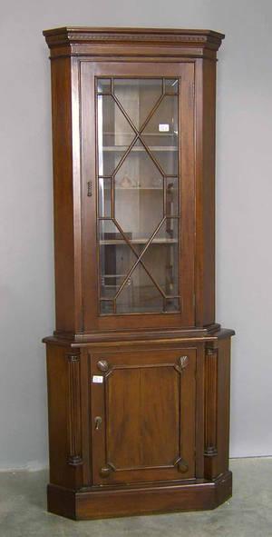 Mahogany 2part corner cupboard