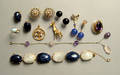 14K yellow gold and agate bracelet and earring set