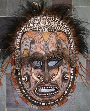 072128 CARVED WOOD POLYCHROME AND COWRY SHELL MASK