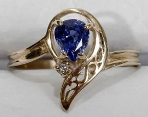 100153 07CT SAPPHIRE DIAMOND  14K YELLOW GOLD RING