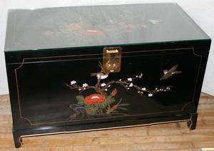 071205 CHINOISERIE BLACK LACQUERED CHEST H 34
