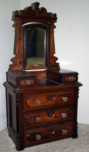 071384 VICTORIAN WALNUT DIMINUTIVE CHEST H 32 W 16