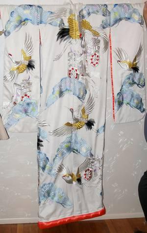 080373 JAPANESE EMBROIDERED WEDDING KIMONO WHITE
