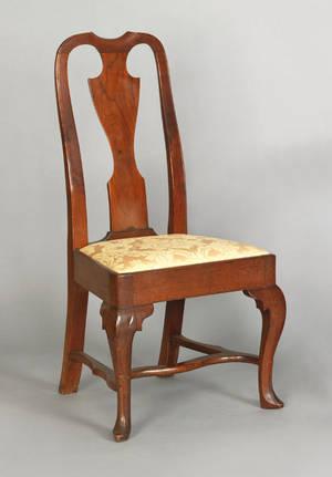 Philadelphia Queen Anne walnut dining chair ca 1745