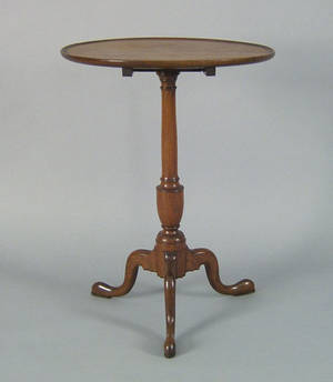 Pennsylvania walnut candlestand ca 1790