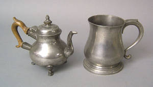 English Queen Anne pewter pear shaped teapot 18th c