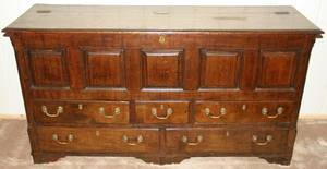 081032 ENGLISH GEORGE III PEGGED OAK STORAGE CHEST
