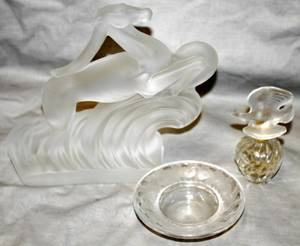040201 ART DECO LALIQUE PERFUME BOTTLE  DISH