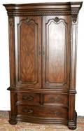 022153 HOOKER FURNITURE CARVED MAHOGANY ARMOIRE