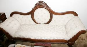 120201 VICTORIAN WALNUT SOFA LATE 19TH C L78