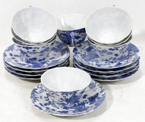 020413 CHINESE BLUE  WHITE PORCELAIN CUPS  SAUCERS