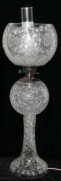 020437 VICTORIAN STYLE PRESSED GLASS  METAL LAMP