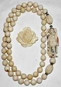 041571 IVORY BEAD NECKLACE 32  BROOCH