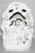 112483 STAFFORDSHIRE FIGURE OF COUPLE UNDER ARBOR