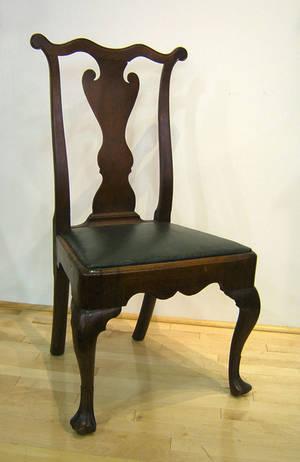 Philadelphia Queen Anne walnut dining chair ca 1755