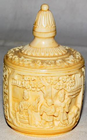 061273 CHINESE CARVED IVORY SNUFF BOTTLE H38