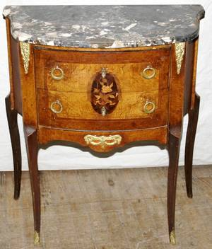 051269 FRENCH LOUIS XV STYLE WALNUT COMMODE
