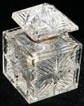 061289 ENGLISH CUT CRYSTAL INKWELL H5 W29