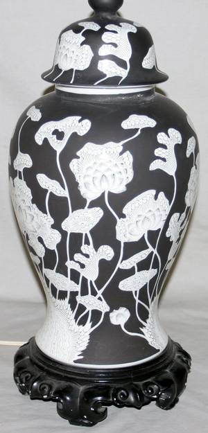 081447 CHINESE STYLE PORCELAIN GINGER JAR AS LAMP