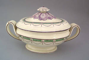 Creamware tureen early 19th c