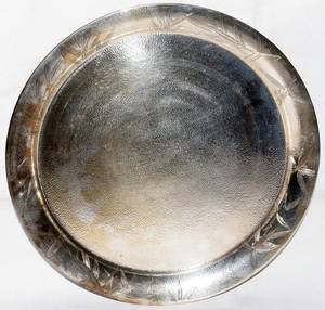060478 STERLING SILVER TRAY MID 20TH C DIA98