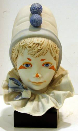 063764 CYBIS BISQUE BUST OF A PIERROT FUNNY FACE