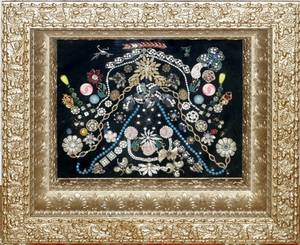 071574 VICTORIAN COSTUME JEWELRY IN SHADOW BOX FRAME
