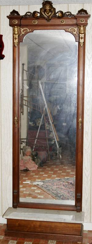 071033 VICTORIAN CARVED WALNUT PIER MIRROR  CONSOLE