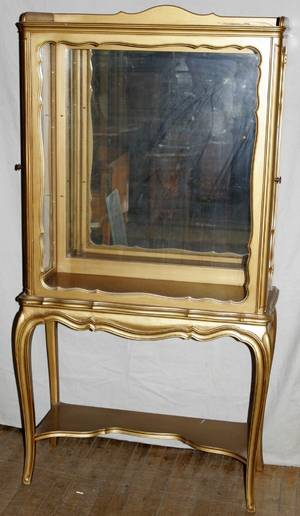 051059 FRENCH LOUIS XV STYLE GILT WOOD CURIO CABINET