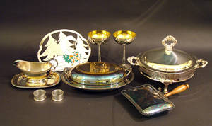 111157 SILVERPLATE GROUPING TEN PIECES