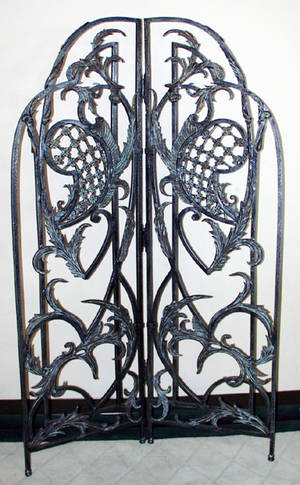 122115 WROUGHT IRON FLOOR SCREEN H 81 W 50