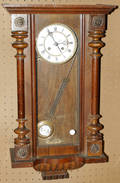 110094 VIENNESE WALNUT REGULATOR CLOCK