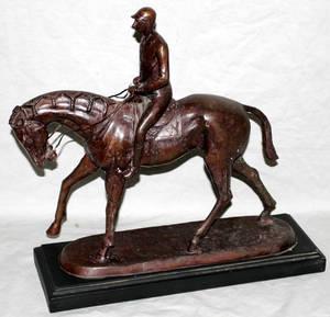 091082 BRONZE SCULPTURE JOCKEY ON HORSEBACK