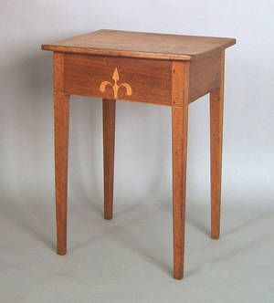 Pennsylvania walnut end table early 19th c