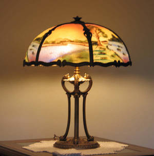 112201 REVERSE PAINTED GLASS  GILT METAL TABLE LAMP