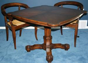 092235 OLD COLONY FURNITURE CARD TABLE TWO CHAIRS