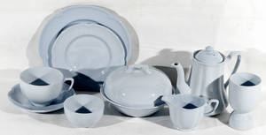 122395 JOHNSON BROS PORCELAIN BREAKFAST SET