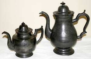 101426 AMERICAN PEWTER TEAPOT  COFFEE POT