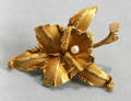 092261 YELLOW GOLD ORCHID SHAPE BROOCH W PEARL