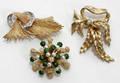 092252 YELLOW GOLD DIAMOND PEARL  ENAMEL BROOCHES