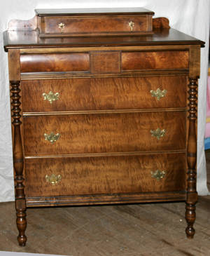 11372 BERKEY  GAY WALNUT CHEST OF DRAWERS H 49