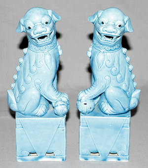 091359 CHINESE TURQUOISE GLAZED POTTERY FOO DOGS