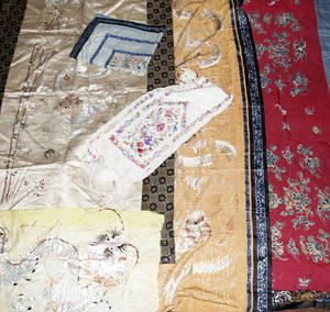 090369 CHINESE SILK EMBROIDERED COVERLETHANGINGS