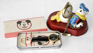 120506 MICKEY MOUSE WRISTWATCH IN A TIN BOX
